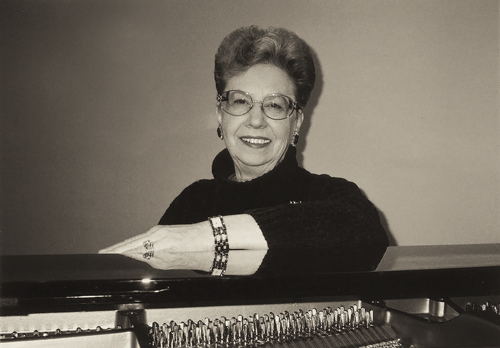 Doreen Laing at the piano.